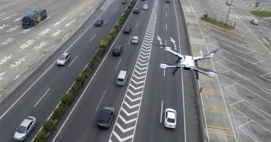 無人機變空中巡警!廣州•深圳交警出動航拍機監控路面