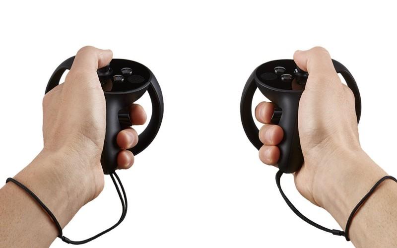 Oculus Touch 手柄需另行購買。