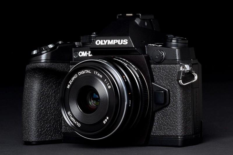 首代 Olympus E-M1 推出已快將 3 年,其後繼機 OM-D E-M1 Mark II 也是時候面世了。