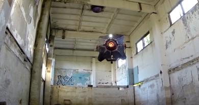 高手在民間!電玩粉絲砌出《戰慄時空 2》無人機現實版