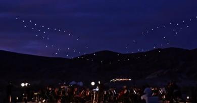 Intel「無人機 100」光影匯演 首次回歸美國本土