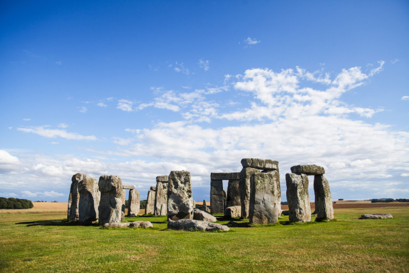 巨石陣雖位處郊區,但可能因遊人眾多,以及為了保護古蹟,所以列為禁飛地點。