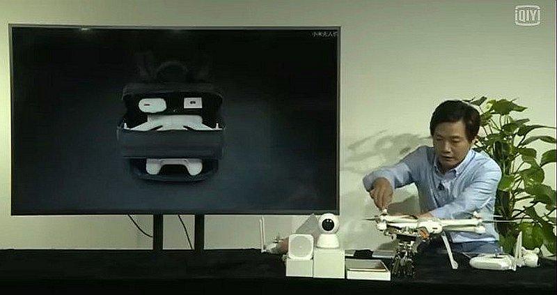 小米執行長雷軍在直播過程中,嘗到即場組裝小米無人機,顯得有點吃力。
