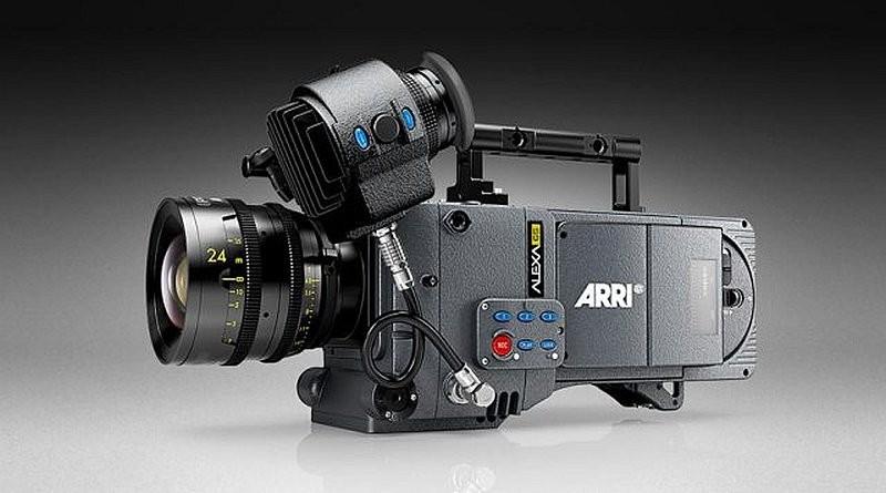 ARRI Alexa 65 內置 A3X 感光元件,有效感光尺寸為 54.12 × 25.59 毫米,比 ARRI 765 65 mm 膠片攝影機的片門還大。其最大可攝錄解像度為 6560 × 3102 像素,動態範圍超過 14 級。