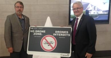 加拿大管制無人機 由派發「無人機禁區」牌做起