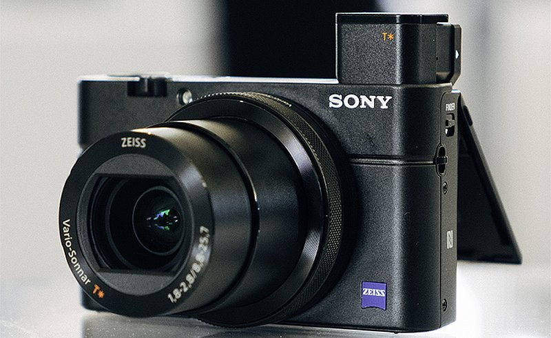 Sony RX100 V 的外形或會跟圖中的 RX100 IV 相近。