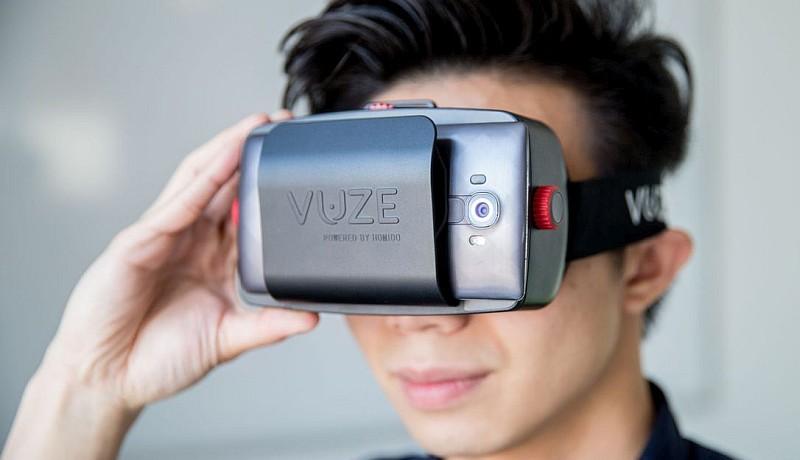 Homido VR 眼鏡符合人體工學設計,佩帶舒適又易用。