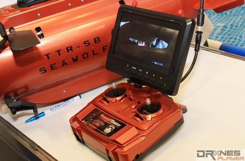 Seawolf Ocean Master 遙控器具有 7 吋屏幕,可供觀看水中 FPV 畫面。