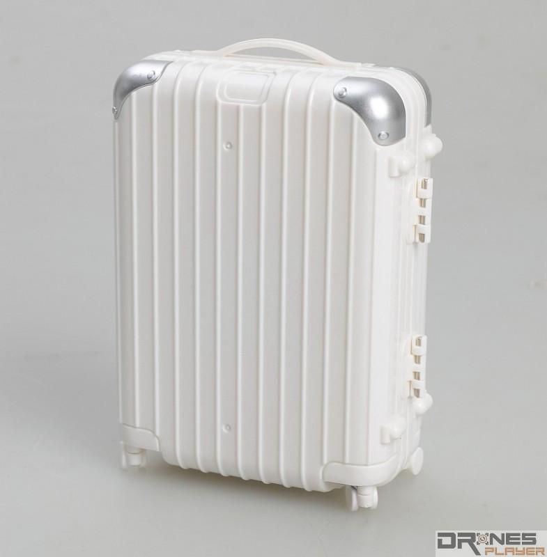 Create Toys E904 控制器採用手提旅行箱造型設計,手工頗細緻。