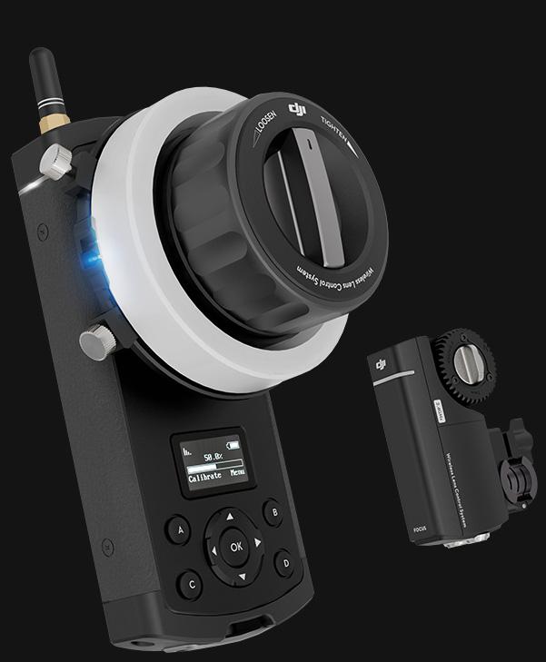 DJI Focus 包括手持的控制器(左)和駁接航拍鏡頭的裝置(右)。