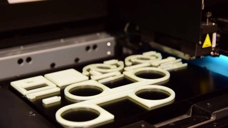 Drofie 原型機用 3D列印零件砌成。