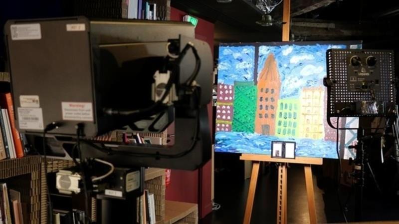 Google Art Camera 拍攝畫作時的情況。