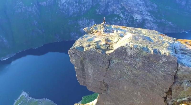除了奇蹟石,附近山頭亦有不少極其壯觀的風景。