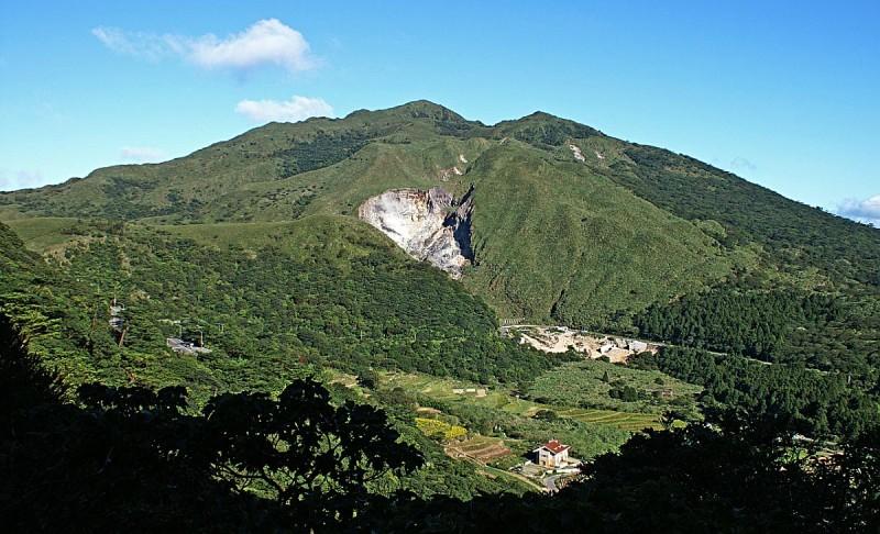 陽明山國家公園自 2015 年 12 月起也不准無人機放飛了。
