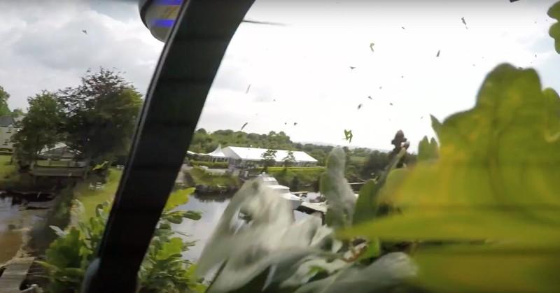 攝影師疑因只顧取景,航拍機撞樹枝後失控。