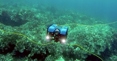 BlueROV2 水中無人機深潛 100 米 讓你體驗海底總動員
