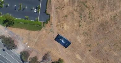 最瘋狂的手機防撞測試!無人機高空 400 呎掉落 Galaxy S7,結果是…
