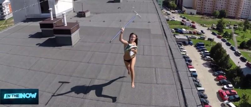 無人機偷拍天台女生裸曬真相
