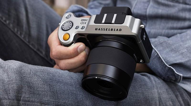 自哈蘇發表首部中片幅無反單眼 Hasselblad X1D 後,外界均期望 Fujifilm 會推出中片幅無反相機以作還擊。