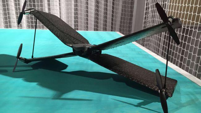 Parrot Swing 無人機的外形神似星戰中的 X-Wing 戰機。