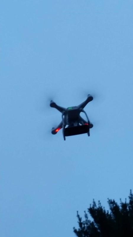 這已不是普通的 Phantom 3 Standard 空拍機,而是 Pokémon 高空捕捉器!