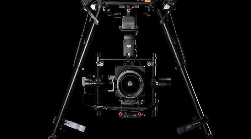 Matrice 600 飛行平台底部裝設了Hasselblad A5D-50c 航拍相機。
