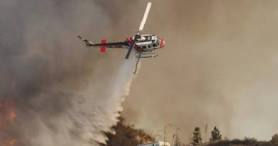 無人機阻消防直升機撲救山火 加州首度拘捕涉事空拍玩家