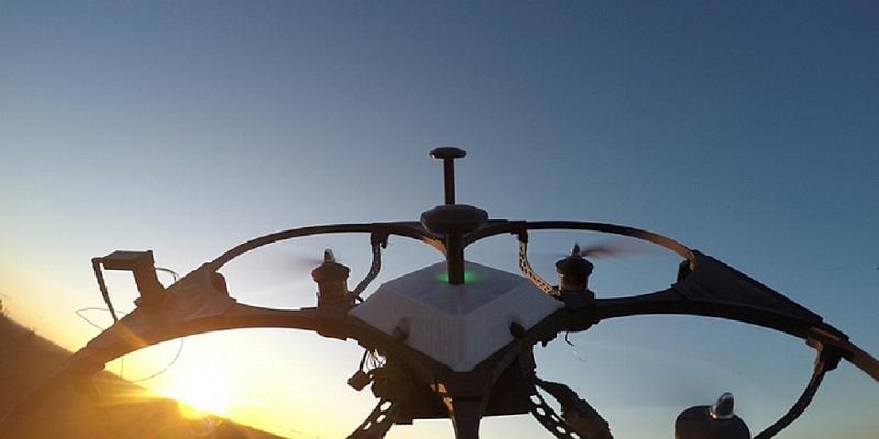 Freebird One 機背上相機所拍的航拍畫面。