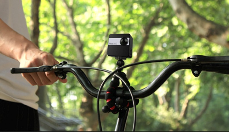 用家需要額外購買配件,方可讓 Nico360 安裝在單車、手腕等地方,以便在戶外使用。