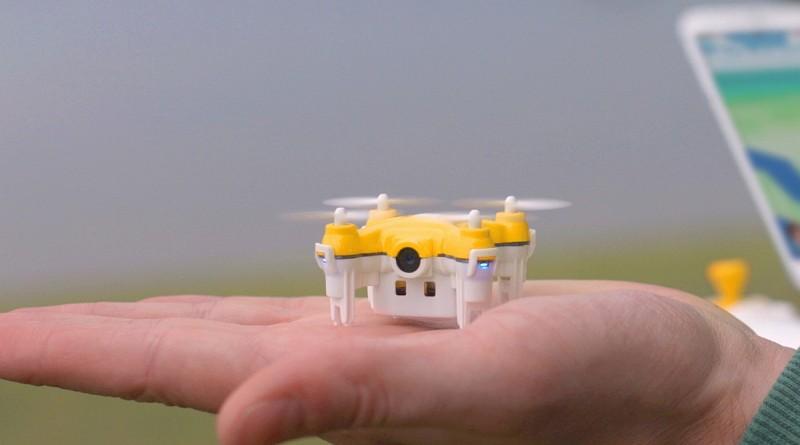 只有手心般大小的 Pokédrone,雖然易於攜帶,但續航力和航拍解像度卻略嫌不足。
