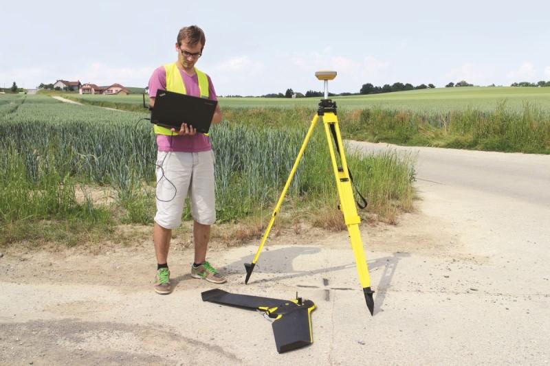 senseFly eBee RTK:因應製作各式地圖需要而設的定翼機。
