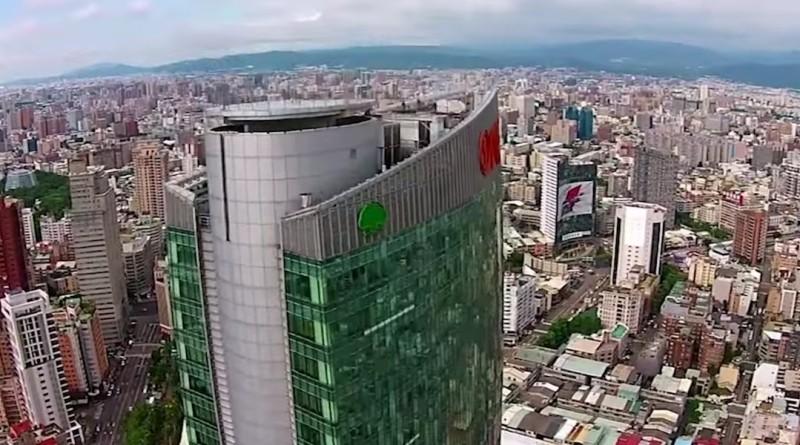 台中市民廣場空拍機為患
