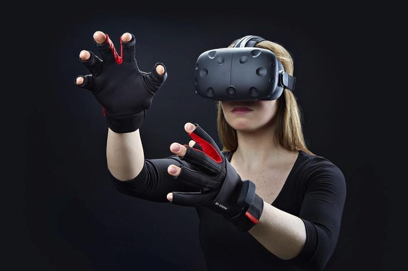 HTC Vive 內建追蹤系統,讓廠方追蹤 VR 眼鏡用家的動向;負責開發這套追踪系統的 Valve 將會開放技術授權。