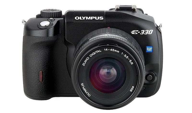 Olympus E-330 是世上首部擁有 Live View 功能的單眼相機。