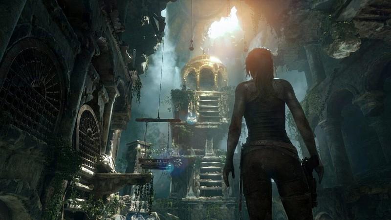 雖然以 VR 方式來進行《Rise of the Tomb Raider》相當驚險刺激,但玩家卻無法看到主角羅拉的性感身段了。
