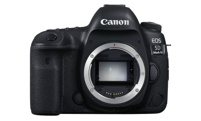 Canon EOS 5D Mark IV 的快門線端子移至機身正面。