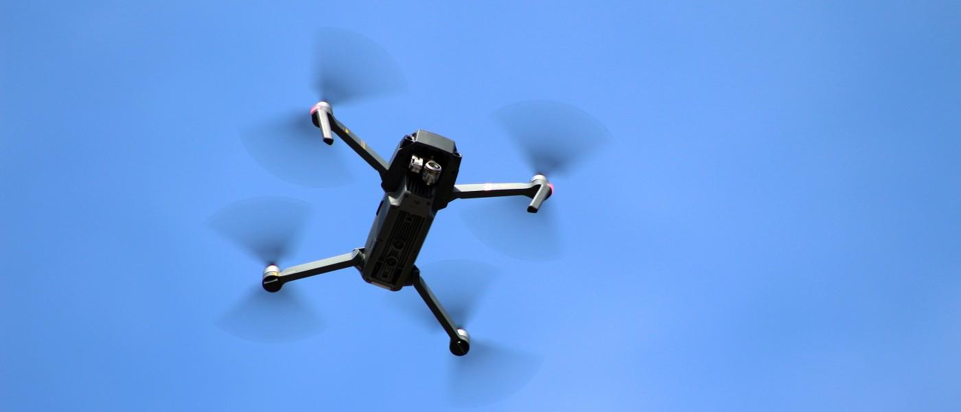 英民航局研究:怎樣的無人機才會撞得民航機嚴重受損?