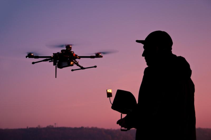 駭客用無人機隨時可發動網絡攻擊。(ShutterStock 圖片)