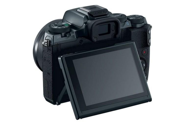 Canon EOS M5 機背屏幕採用 3.2 吋 162 萬點多角度翻揭式觸屏,支援 85 度向上翻轉、180 度垂直向下翻轉。
