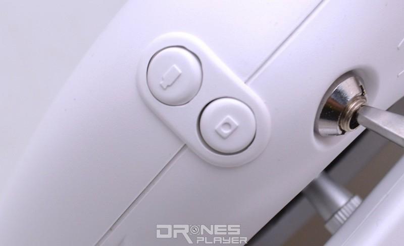 GTEN ONE 4K 遙控器分別設有獨立的攝錄鍵和拍照鍵。