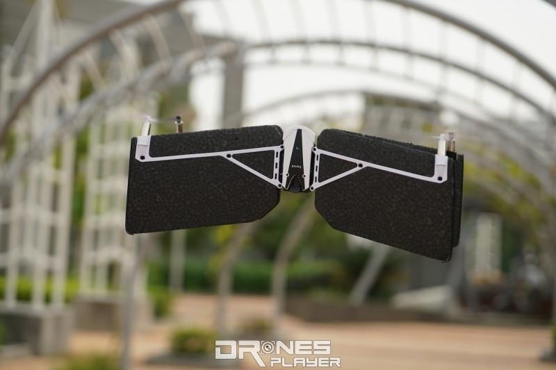 Swing 以四軸模式垂直升降。