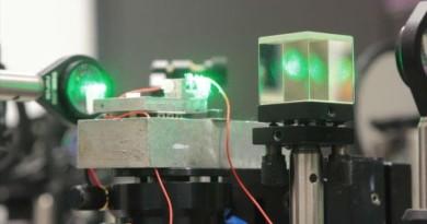 激光為 1.5 公里外手機充電 俄研發團隊:下一步是無人機