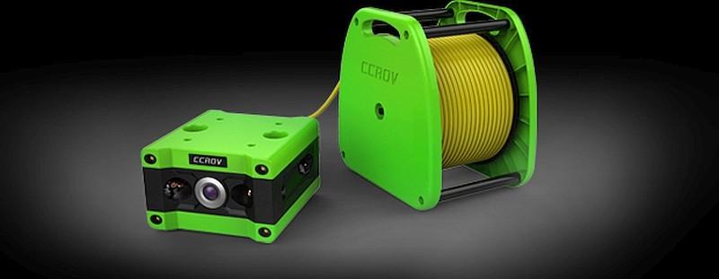CCROV 水中無人機需要拖著 20 米至 100 米長度的纜線連繫著 TDS 系統。