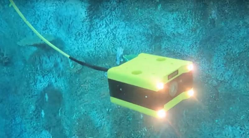 CCROV 水中無人機的前方設有 4 組照明燈,以便在黑暗的海底進行拍攝。