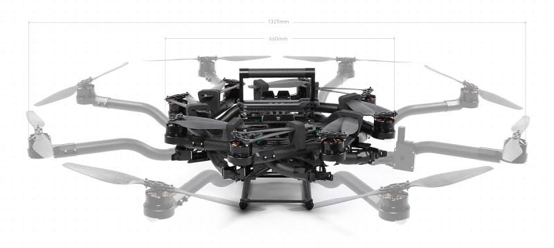 Freefly ALTA 8 旋翼和軸臂均用上折疊式設計,摺合收起後可將飛行器軸距由原來的 1,325 毫米,大幅縮減至 660 毫米。