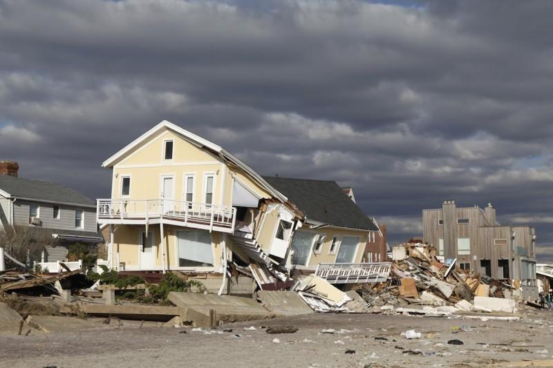 保險公司愈來愈多派出無人機,空拍房屋風暴過後的受損情況。(Shutter Stock 圖片)