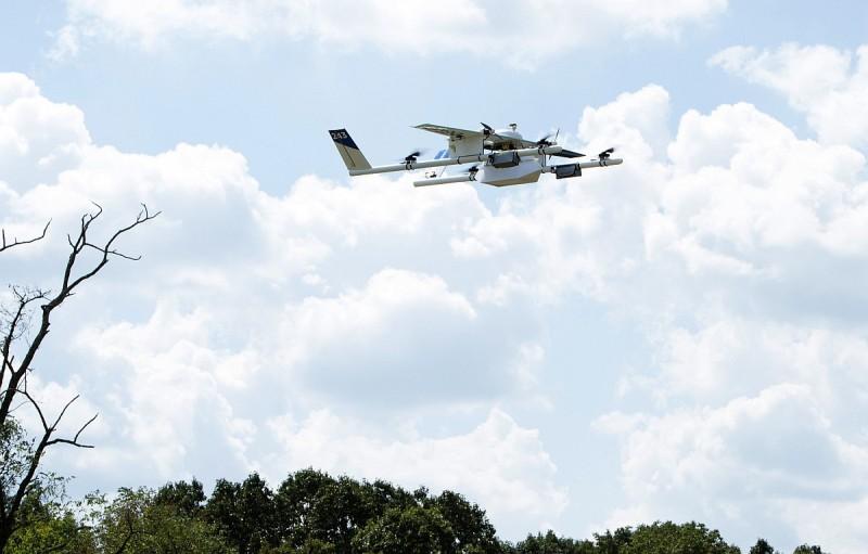 Project Wing 無人機的最新形態,已採用多旋翼和固定翼的混合式結構。