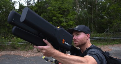 最帥的反無人機方案!DroneGun 電磁槍狙擊 2 公里內空拍機