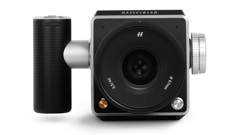 Hasselblad V1D 概念相機拆卸觀景器的樣子。