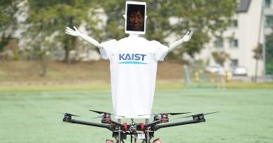 無人機•機器人合體!Robot Drone Man 實現人類替身的未來構想